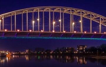 brug Arnhem taxi vervoer